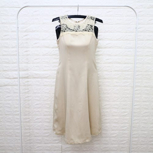 Dress Wanita Krem